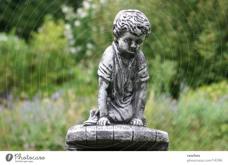 Junge Junge Garten Holz Skulptur