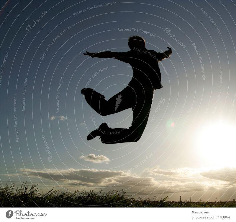 Ballet Mensch Himmel Jugendliche Sommer Sonne Wolken Freude 18-30 Jahre Erwachsene Wiese Gras Glück springen Luft fliegen maskulin