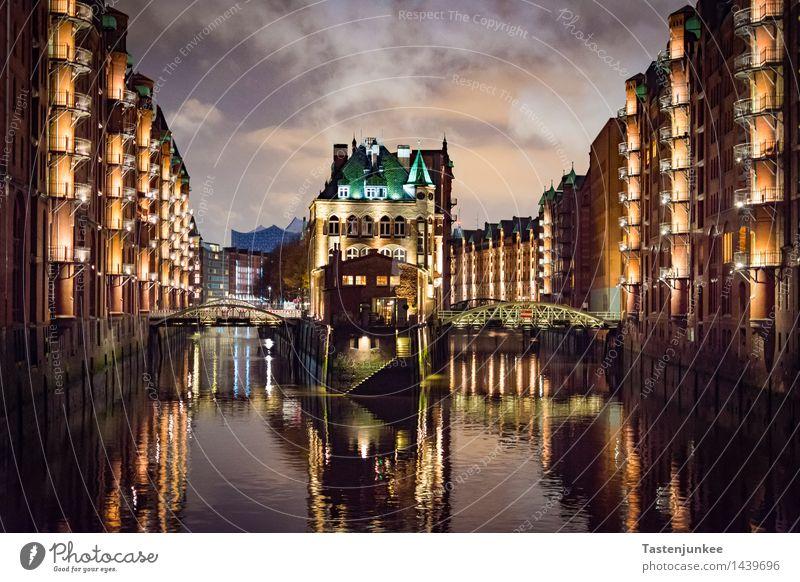 Wasserschloss @ Hamburg Speicherstadt Stadt ruhig Haus Deutschland Fassade Europa Brücke Bauwerk Hafen Fabrik Stadtzentrum Sehenswürdigkeit Hafenstadt