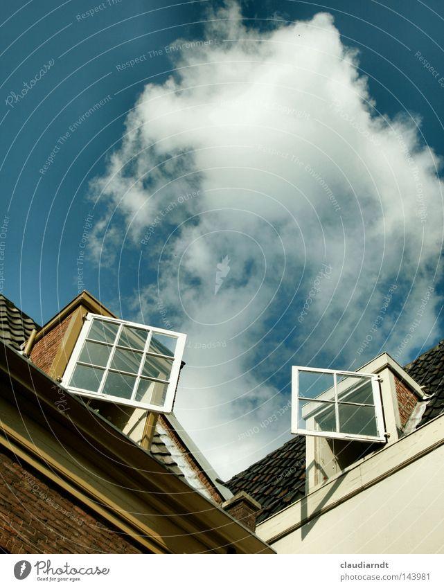 Lauschangriff Himmel Haus Wolken Fenster Freiheit Luft Wohnung frei Kommunizieren offen Dach Häusliches Leben Bauernhof Fensterscheibe Hinterhof Niederlande