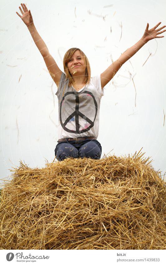 windig | Peace, bevor ein Sturm aufkommt Natur Jugendliche Freude Mädchen feminin Glück Feld Lebensfreude Zeichen Frieden Ehrlichkeit