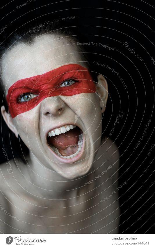 schrei Frau Jugendliche rot Farbe Erwachsene sprechen Farbstoff Junge Frau bedrohlich Schnur Maske Wut schreien Schminke kämpfen Held