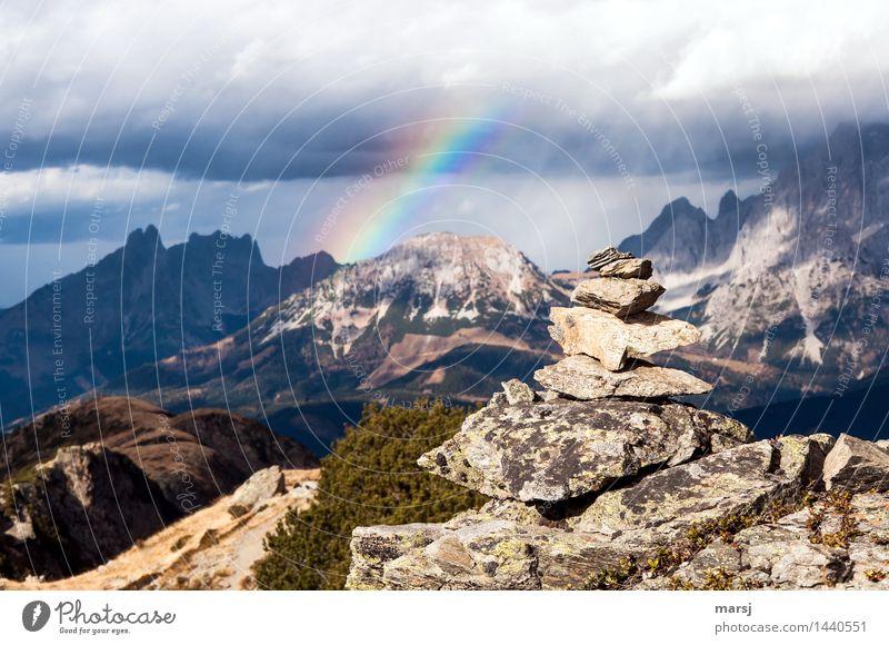 Kalt-Warm und Bunt Natur Landschaft dunkel Berge u. Gebirge Traurigkeit Herbst außergewöhnlich Stein Felsen Horizont authentisch bedrohlich Gipfel Hoffnung