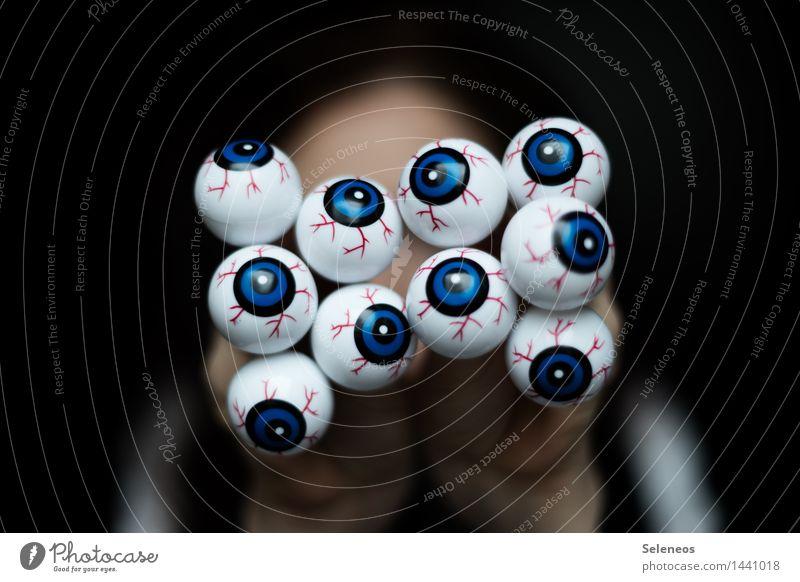 all eyes on you Karneval Halloween Mensch Auge Augenzeuge Augenfarbe Augenheilkunde 1 beobachten Blick gruselig Spitzel Überwachung Farbfoto Blick in die Kamera
