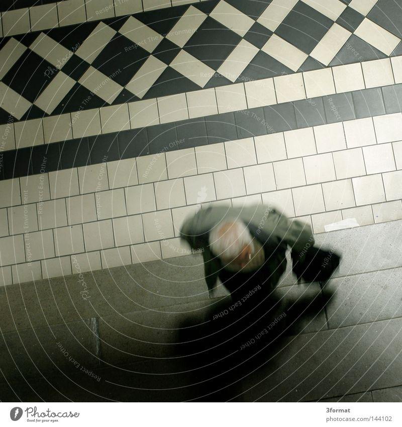 Lehrkörper Mensch Mann weiß schwarz Einsamkeit Leben oben Senior grau hell Fuß Zufriedenheit Schuhe Raum glänzend gehen