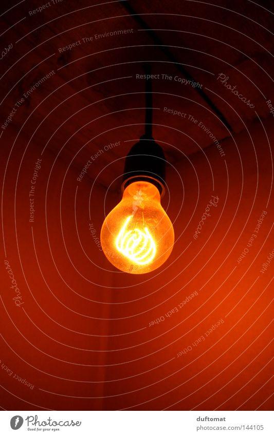 Watt? alt rot Wärme hell Elektrizität Technik & Technologie Physik historisch Glühbirne Halterung Elektrisches Gerät Glühdraht Hängelampe