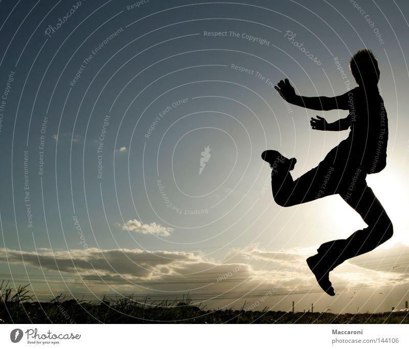 Flucht Himmel Jugendliche Ferien & Urlaub & Reisen Mann Sommer Sonne Wolken Freude 18-30 Jahre Erwachsene Wiese Gras Glück springen Luft fliegen