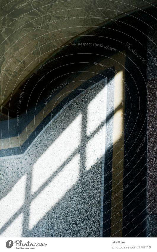 1 Haus Flur Treppe Treppenhaus Fenster Licht Schatten Bodenbelag Marmor Fensterkreuz Altbau Jugendstil Detailaufnahme Kaßberg Architektur