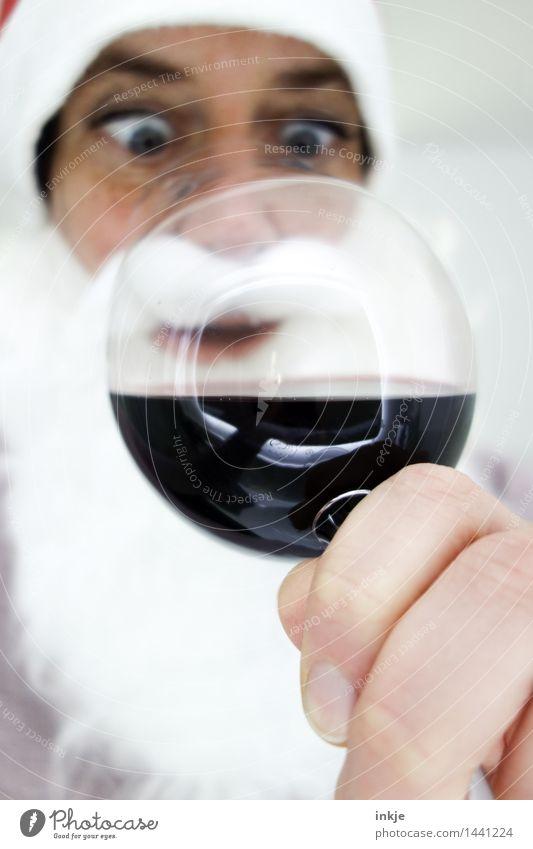 guckt ja keiner Mensch Weihnachten & Advent Hand Gesicht Erwachsene Leben Gefühle lustig Glas genießen Getränk trinken Wein Leidenschaft Weihnachtsmann Vorfreude