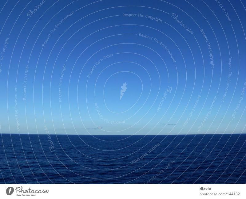 blau Wasser Himmel Meer Sommer Ferien & Urlaub & Reisen Ferne Freiheit Linie Wellen Wetter Horizont leer Reisefotografie Unendlichkeit tief