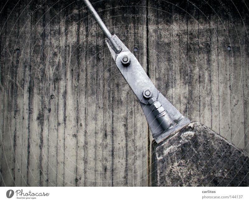 Zugspitze grau Kraft Beton Eisenbahn verrückt verfallen Stahl diagonal Schraube rechnen Schwäche