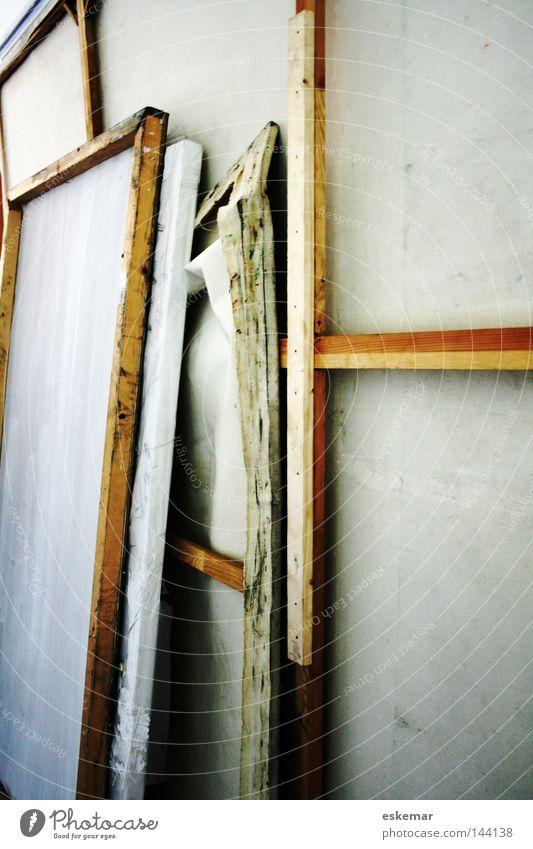 Leinwände weiß Farbe Holz Kunst groß stehen Bild streichen Gemälde hinten bemalt Atelier Leinwand Kunsthandwerk geschmackvoll Farben und Lacke