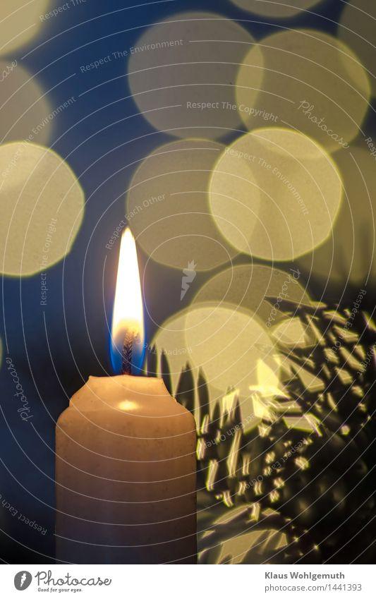 1. Advent Weihnachten & Advent blau schön weiß Erholung ruhig Winter gelb orange Zufriedenheit leuchten warten Freundlichkeit harmonisch Meditation Flamme