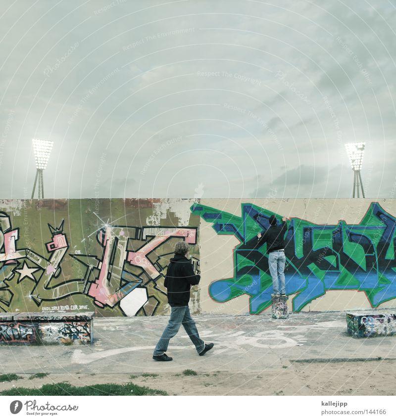 spray of light Mensch Himmel Mann Stadt Wand Graffiti Spielen Berlin grau Wege & Pfade Mauer Stil Kunst Wildtier modern mehrere