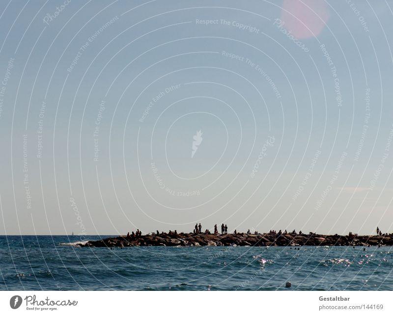 Flaniermeile I Meer Italien Wellen Wellengang Tourist Tourismus Erholung genießen Schaum Gischt spritzen Meerwasser Farbverlauf Physik heiß Sommer Sonnenbad