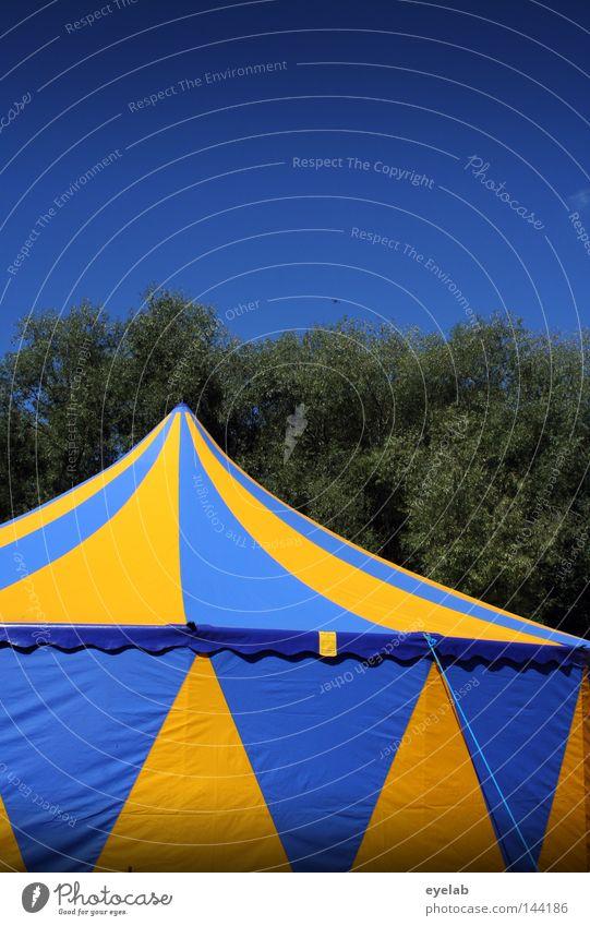 Schweden - Camping (2) Zelt schlafen Zirkus Zirkuszelt Veranstaltung Bierzelt Einnäher Information Streifen gelb blau-gelb Sommer Dach Ecke Konstruktion