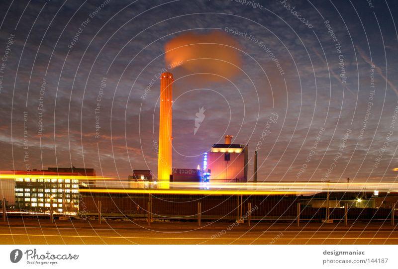 Schäfchenwolkenproduktionsanlage Himmel blau Wolken schwarz Ferne dunkel Umwelt Wärme Lampe hell Deutschland Beleuchtung groß Geschwindigkeit Europa Industrie