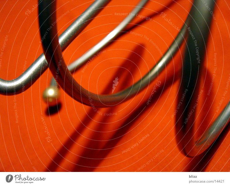 Twisted 4 Spielen Metall Dinge Dynamik Spirale geschwungen schwungvoll Weinhalter