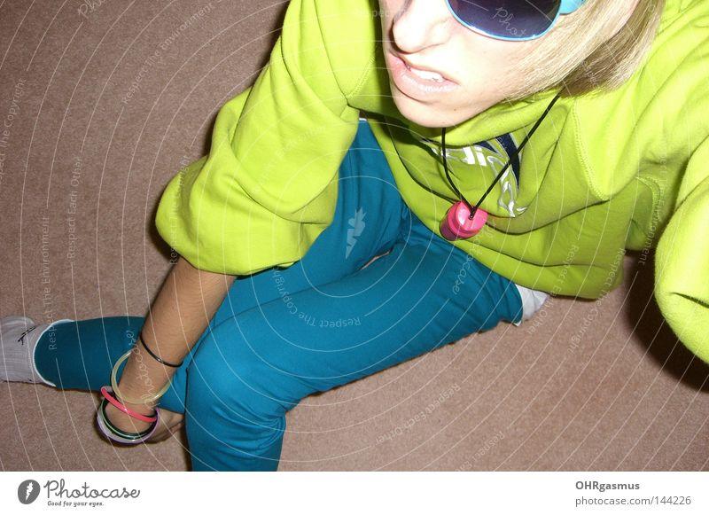 aldidas Freude Party Neonlicht grün türkis rosa Jugendliche Entertainment new wave electro Sportbekleidung schlecht Geschmackssinn geschmacklos grell Partygast