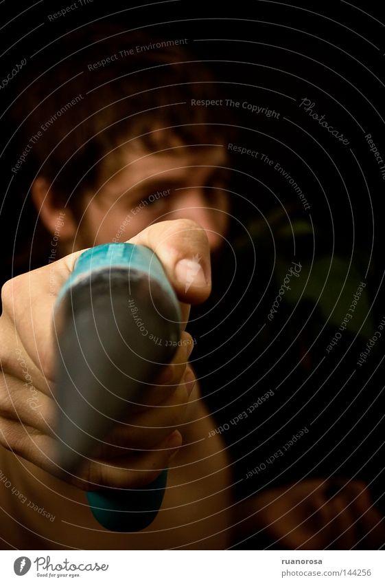 Lo* Mensch Mann Jugendliche Hand Pflanze Blatt Finger Sicherheit Stengel zielen Pistole Wurzel Dorn Baumwurzel Avocado