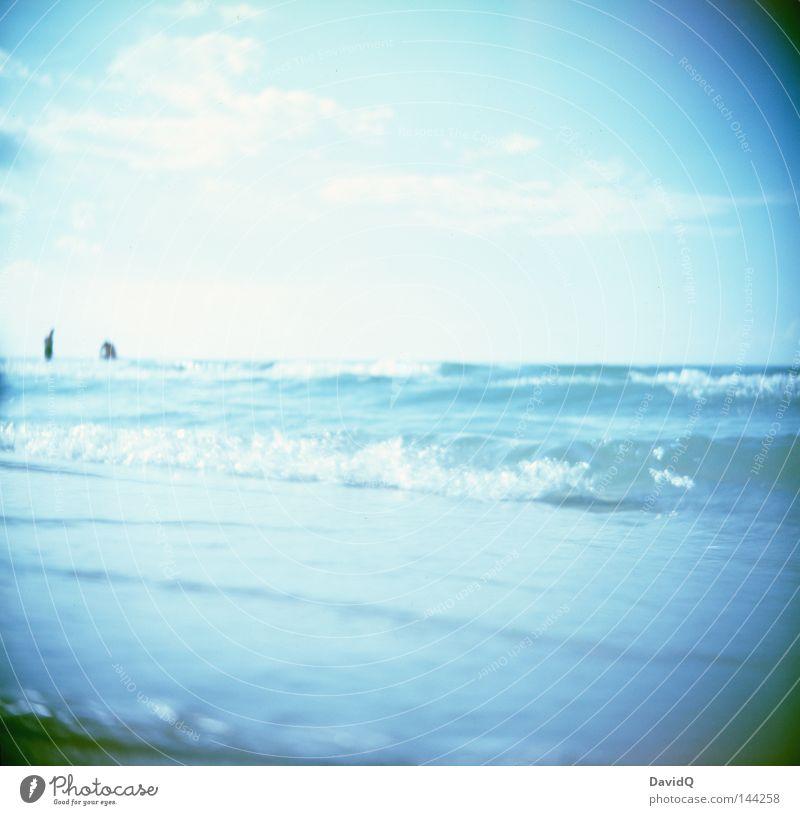 horizont Ostsee Meer See Gewässer Wasser Wellen Brandung Wellengang Wellenschlag Strand Sand Sandstrand Badestelle Küste Seeufer Amerika Länder Wolken Horizont