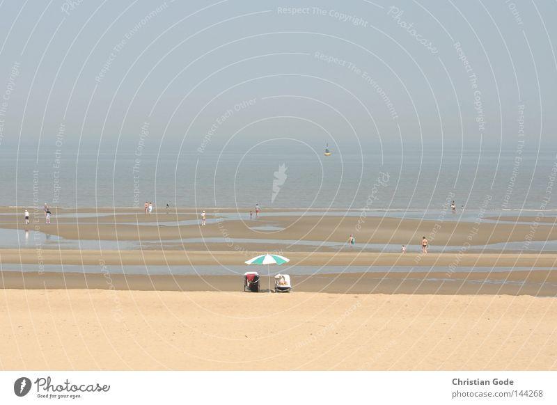 Ebbe Wasser Himmel weiß Meer blau Sommer Strand Ferien & Urlaub & Reisen Einsamkeit Erholung Spielen Sand Wasserfahrzeug Küste Horizont Freizeit & Hobby