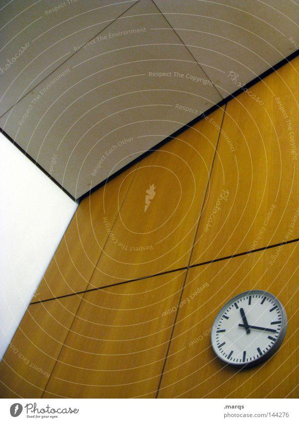 c.t. Wand Büro Business Zeit Uhr Studium Kommunizieren Bildung Veranstaltung Rede Termin & Datum Verabredung spät Mittag Uhrenzeiger Pünktlichkeit