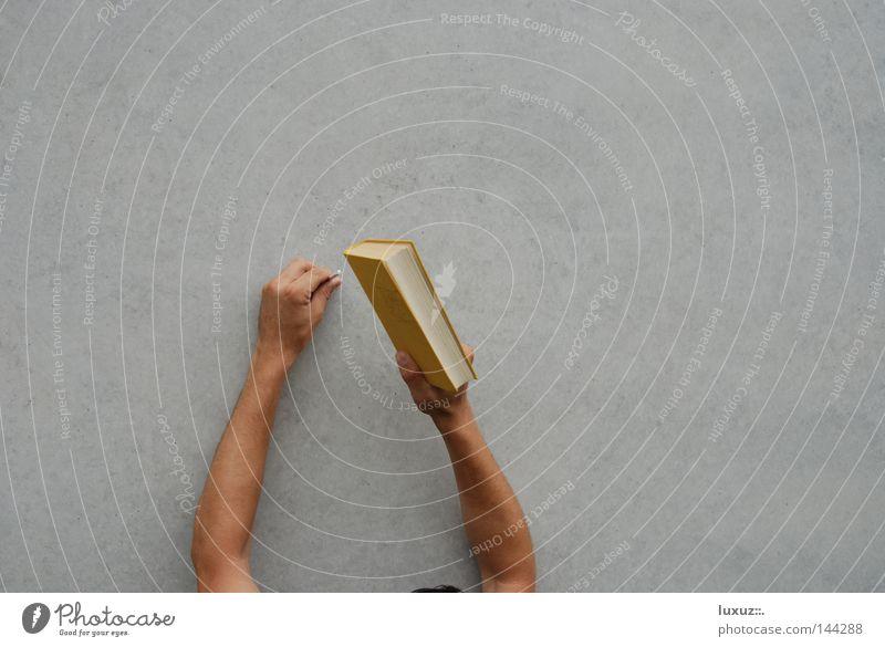Probieren geht über Studieren. Beton lernen Studium Bildung machen Handwerk Versuch Berufsausbildung Nagel schlagen selbstgemacht Anleitung produzieren klopfen