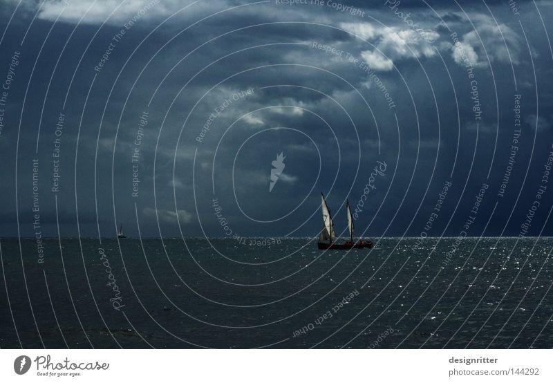 Heimfahrt Wasser Himmel Meer grün blau Wolken Ferne Leben dunkel Arbeit & Erwerbstätigkeit See Luft Wasserfahrzeug hell Wellen Angst