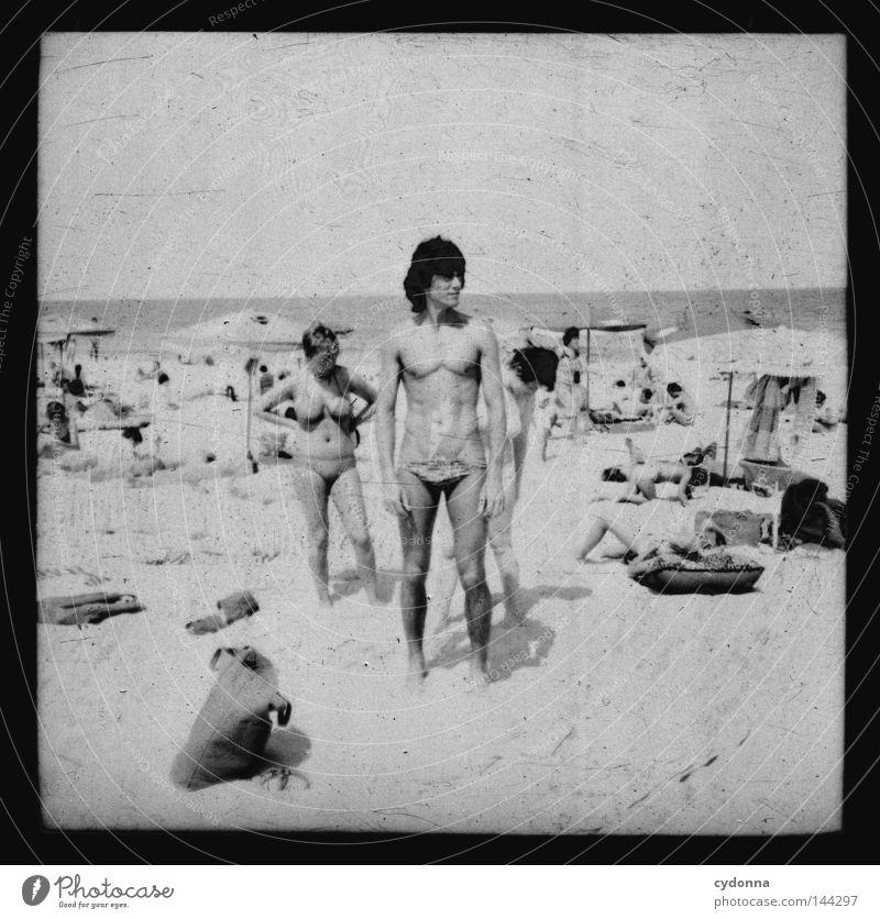 Fotoreisen in die Vergangenheit VI Mensch Frau Mann alt Wasser Ferien & Urlaub & Reisen Meer Sommer Strand Ferne Erholung Leben Graffiti Gefühle Wege & Pfade Sand