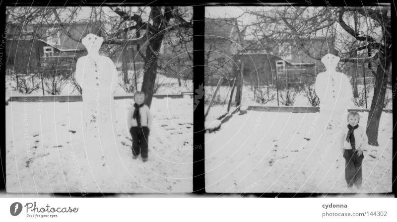 Fotoreisen in die Vergangenheit VIII negativ Mittelformat historisch Vorfahren Zeit Hund Winter Kind vergangen Erinnerung unschuldig finden Gefühle Fotografie