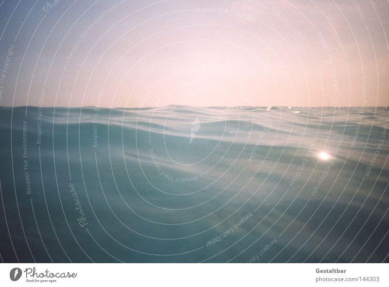 al Mare Wasser Sommer Sonne Meer Erholung Strand Wärme Stein Sand braun Wellen Tourismus genießen Romantik Italien Sonnenbad