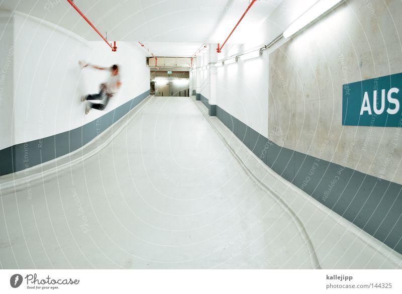 aussteiger Parkhaus Rampe Straße Wege & Pfade U-Bahn Linie S-Bahn Orientierung Mann Mensch springen Freude Freestyle Salto Misserfolg Lifestyle Leitsystem Beton