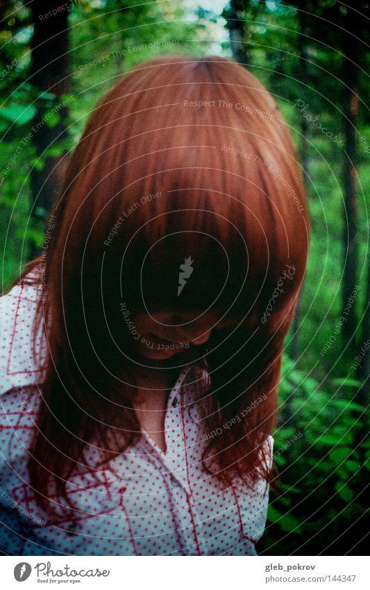 Mensch Baum rot Blume Einsamkeit Wald Haare & Frisuren Behaarung Bekleidung T-Shirt Hemd Top Schwanz Fee Sibirien