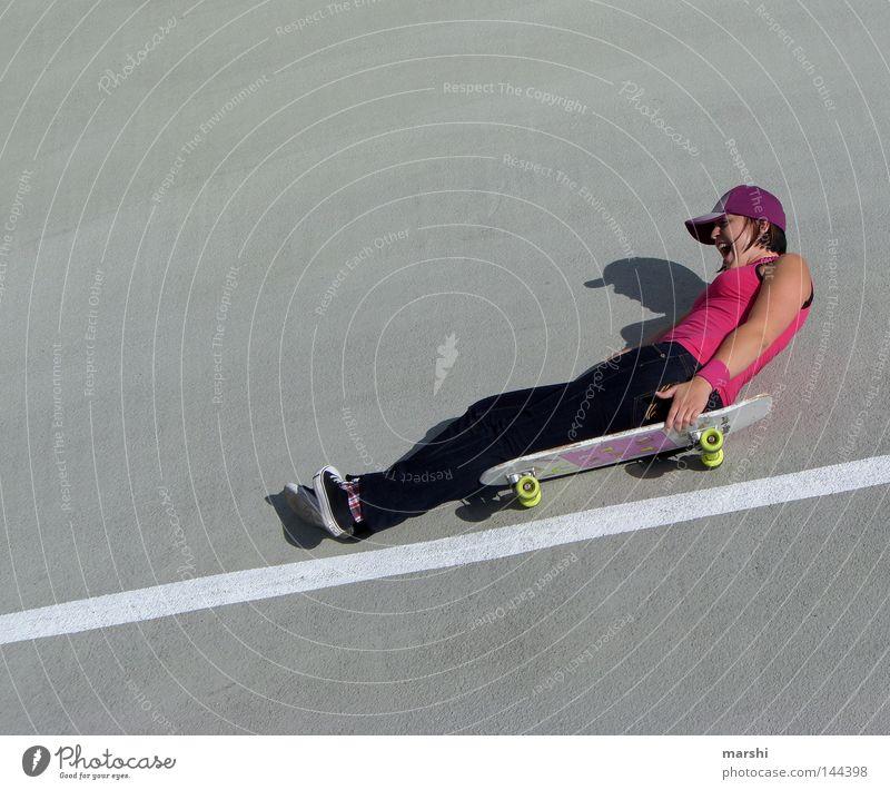 2 fast 2 furious Freude Sport Gefühle Stil Freiheit grau Linie Zufriedenheit Angst rosa Beton Geschwindigkeit Aktion gefährlich Freizeit & Hobby schreien