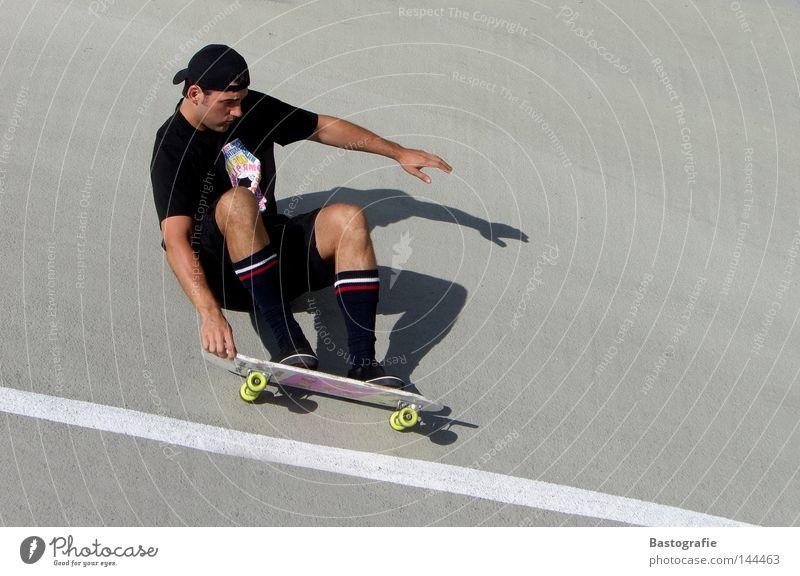 wir sind die coolsten, wenn wir cruisen ... Skateboarding Schwung Geschwindigkeit Freizeit & Hobby rosa Stil Kick Sport Körperbeherrschung Zufriedenheit Beton