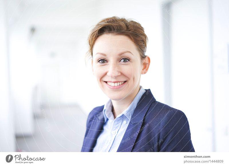 Business Mensch Freude Erwachsene sprechen feminin Schule Arbeit & Erwerbstätigkeit Zufriedenheit Büro Erfolg Studium Coolness Team Bildung Beruf