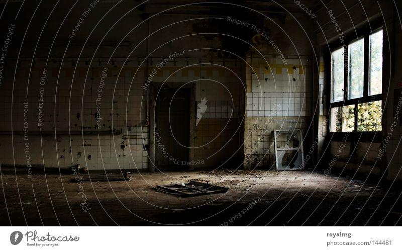fabrikgeschichte alt Einsamkeit Fenster leer Industrie Trauer Industriefotografie Küche Fabrik kaputt Vergänglichkeit verfallen Verfall Vergangenheit historisch