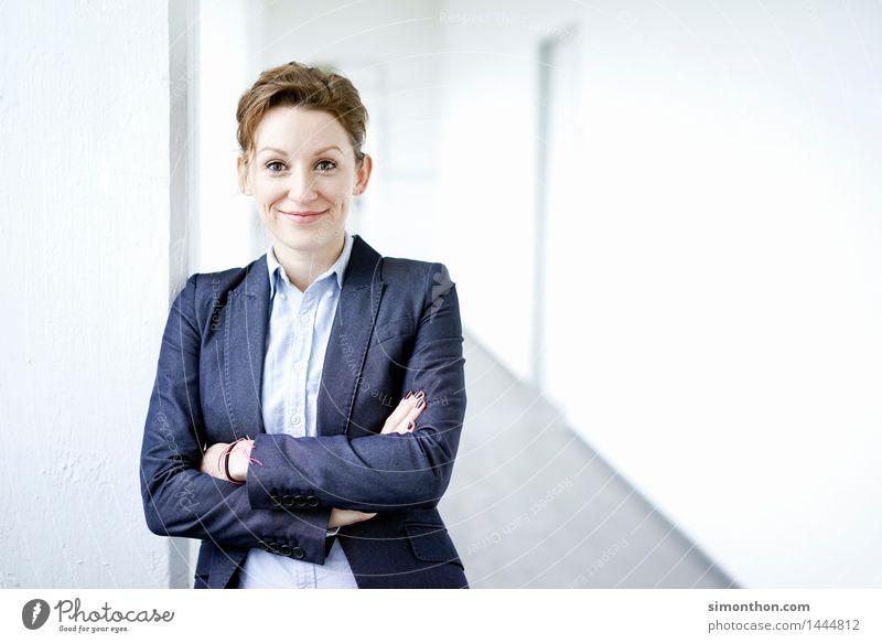 Business Mensch feminin Stil Stimmung Büro Kraft Erfolg Perspektive Kommunizieren Idee planen Macht Netzwerk Team Konzentration