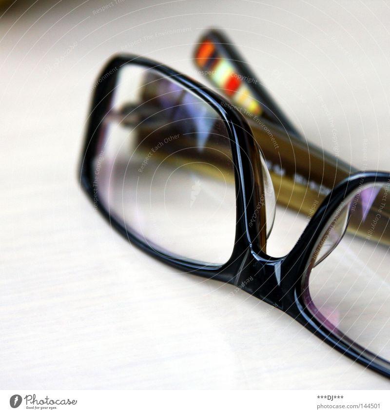 Augen lasern? Nein Danke! Brillen sind In! schwarz Glas modern Augenheilkunde Dekoration & Verzierung Rahmen Versuch Linse Durchblick Gestell Sehvermögen