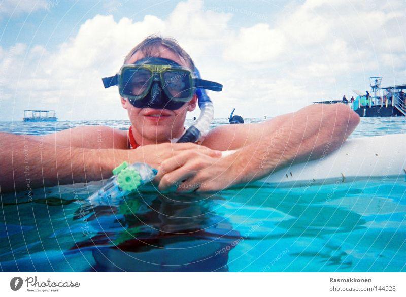 Schnorchelpause Schnorcheln tauchen Wasser Taucherbrille blau türkis Schwimmen & Baden Meer Wasserfahrzeug Australien Korallen Wassersport einmalkamera