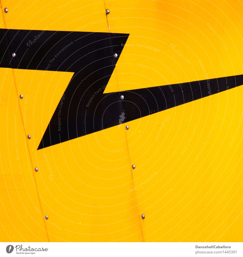 geometrisch l das Zet im Blitz Niete Schraube Metall Stahl Schriftzeichen Linie Streifen gelb schwarz Ordnung Symmetrie Geometrie Strukturen & Formen Blitze
