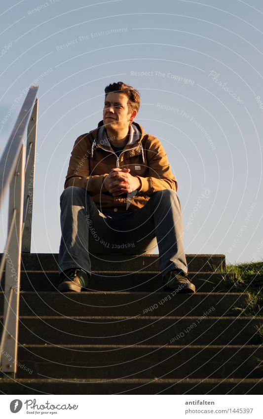 4.10.2015 Mensch Mann blau Hand Erwachsene Umwelt Leben Herbst natürlich Beine braun Fuß maskulin Park Zufriedenheit Treppe