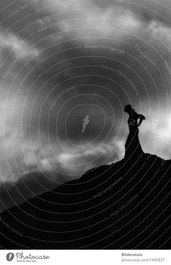 Silhouette elegant feminin Frau Erwachsene 1 Mensch Kunst Himmel Wolken Hügel stehen ästhetisch Coolness dunkel einfach fantastisch Ferne einzigartig schön