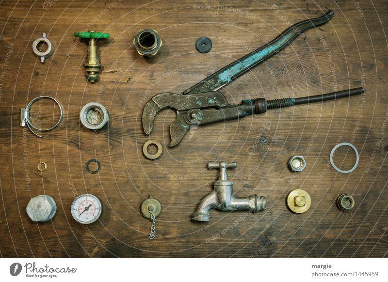 Bausatz Wasser zapfen:  Sammlung von Installations - Utensilien Arbeit & Erwerbstätigkeit Beruf Handwerker Arbeitsplatz Baustelle Werkzeug Messinstrument