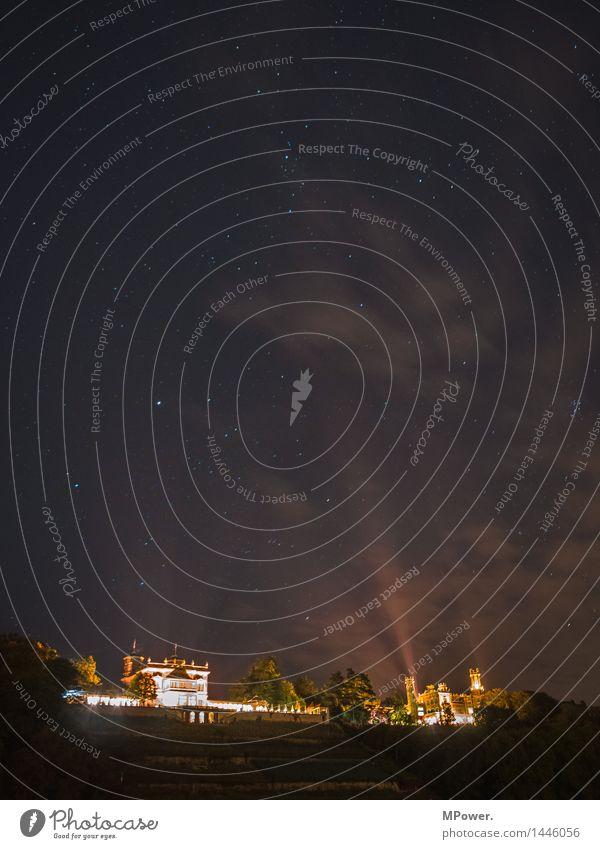 dresden bei nacht Umwelt Landschaft Himmel Wolken Nebel Altstadt Haus Bauwerk Architektur Terrasse Sehenswürdigkeit Wahrzeichen Denkmal hoch Lichtschein