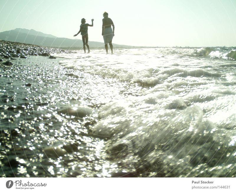 Meer Wasser Wellen Sonne Licht Mensch Griechenland Kos Strand See Fluss Wassertropfen Tropfen Mädchen Frau Kind Fröhlichkeit Sommer Schwimmen & Baden Küste