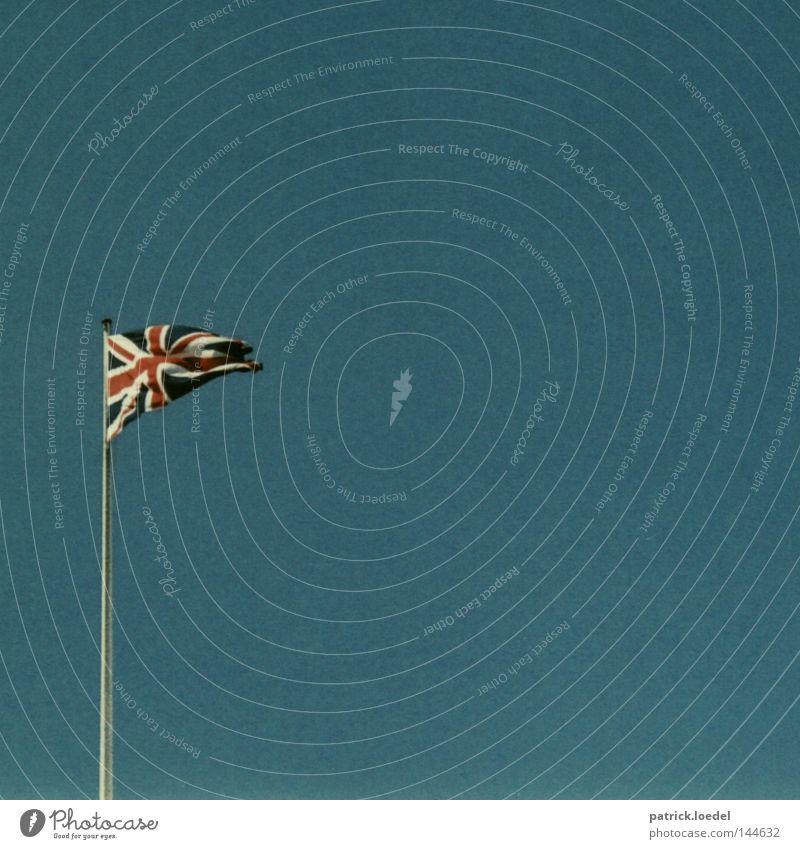 Rule Britannia Ferien & Urlaub & Reisen England Coolness Macht Fahne London Fernweh Stolz Politik & Staat wehen Fahnenmast Sehenswürdigkeit Heimweh