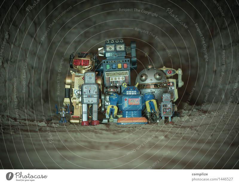 Begegnung Kindererziehung Medienbranche Industrieanlage Fabrik Mauer Wand beobachten Jagd dunkel rebellisch Stadt Gefühle Schutz Freundschaft Zusammensein Angst
