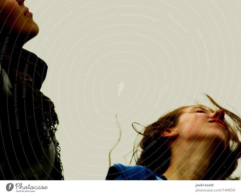 BLN 08 | Achtung Frau Mensch Gesicht Kopf Haare & Frisuren Bewegung Erwachsene Denken Mund Angst gehen Nase wild Körperhaltung Seite